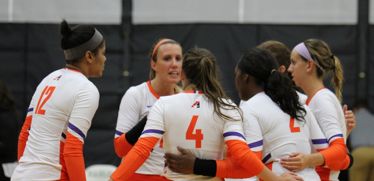 Photo for No. 21 Women's Volleyball Tops CMU in Five Games