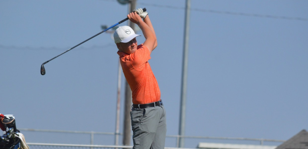 Photo for Men's Golf Captures Graceland Invite Title