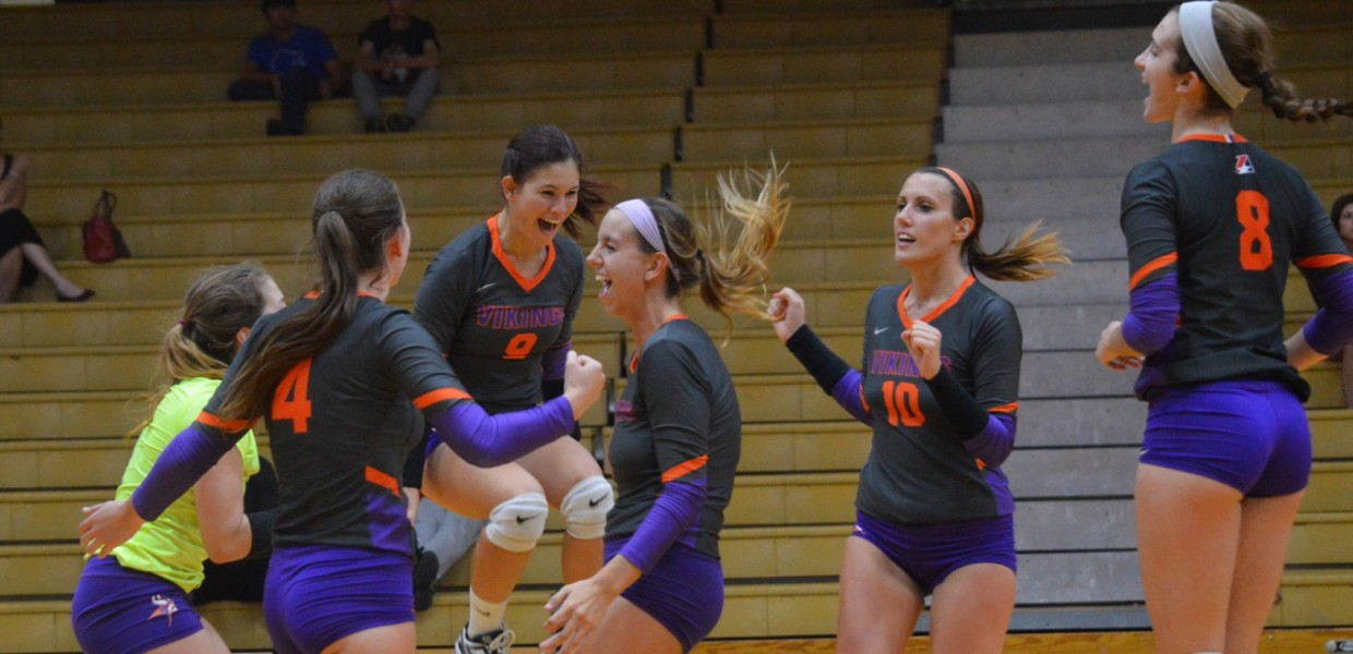 Photo for Women's Volleyball Sweeps No. 19 MidAmerica Nazarene