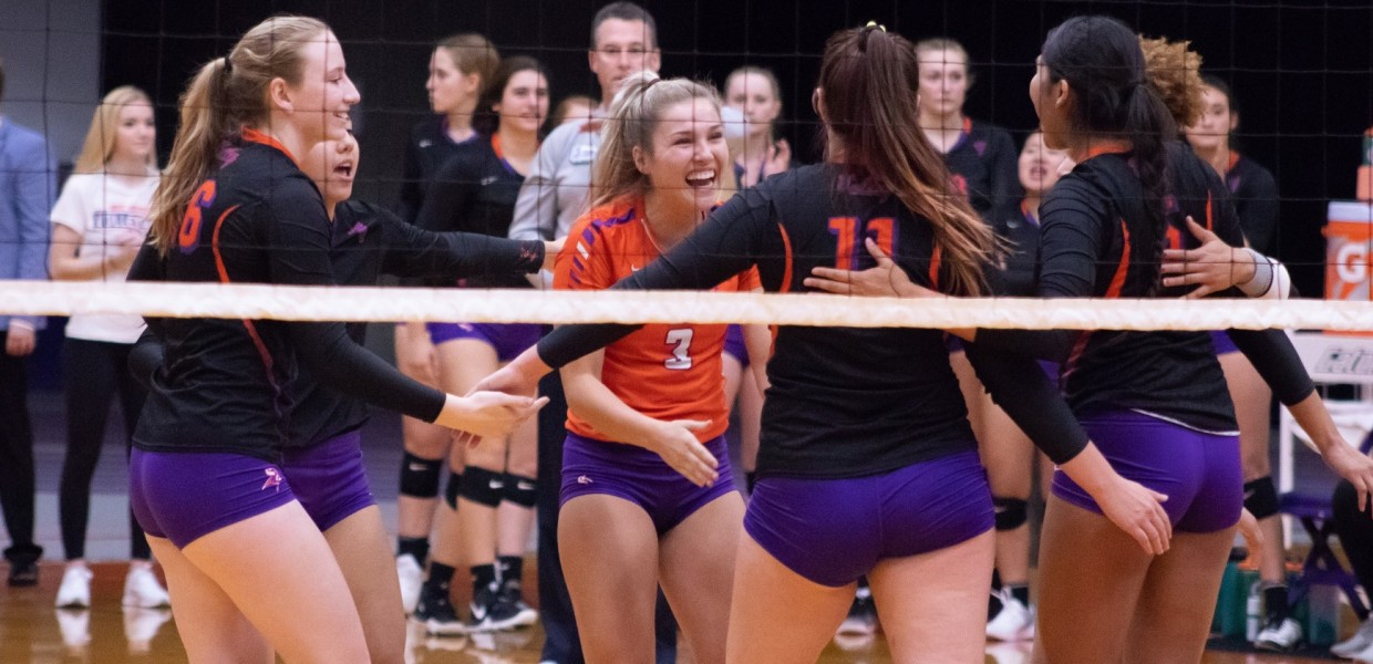 Women S Volleyball Closes Season Against Baker Missouri Valley College